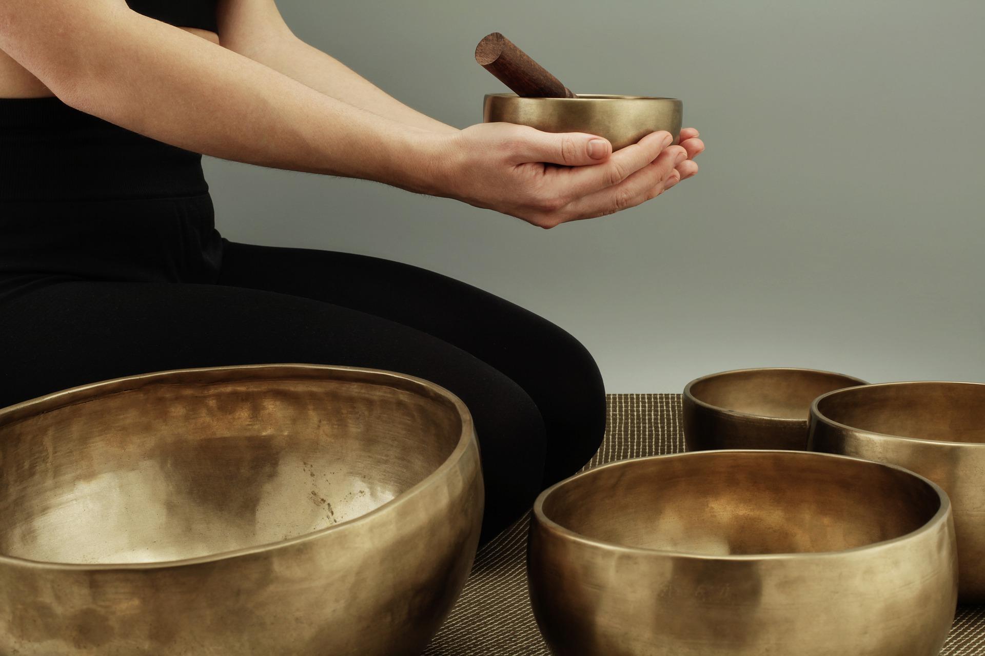 singing-bowls-4762238_1920